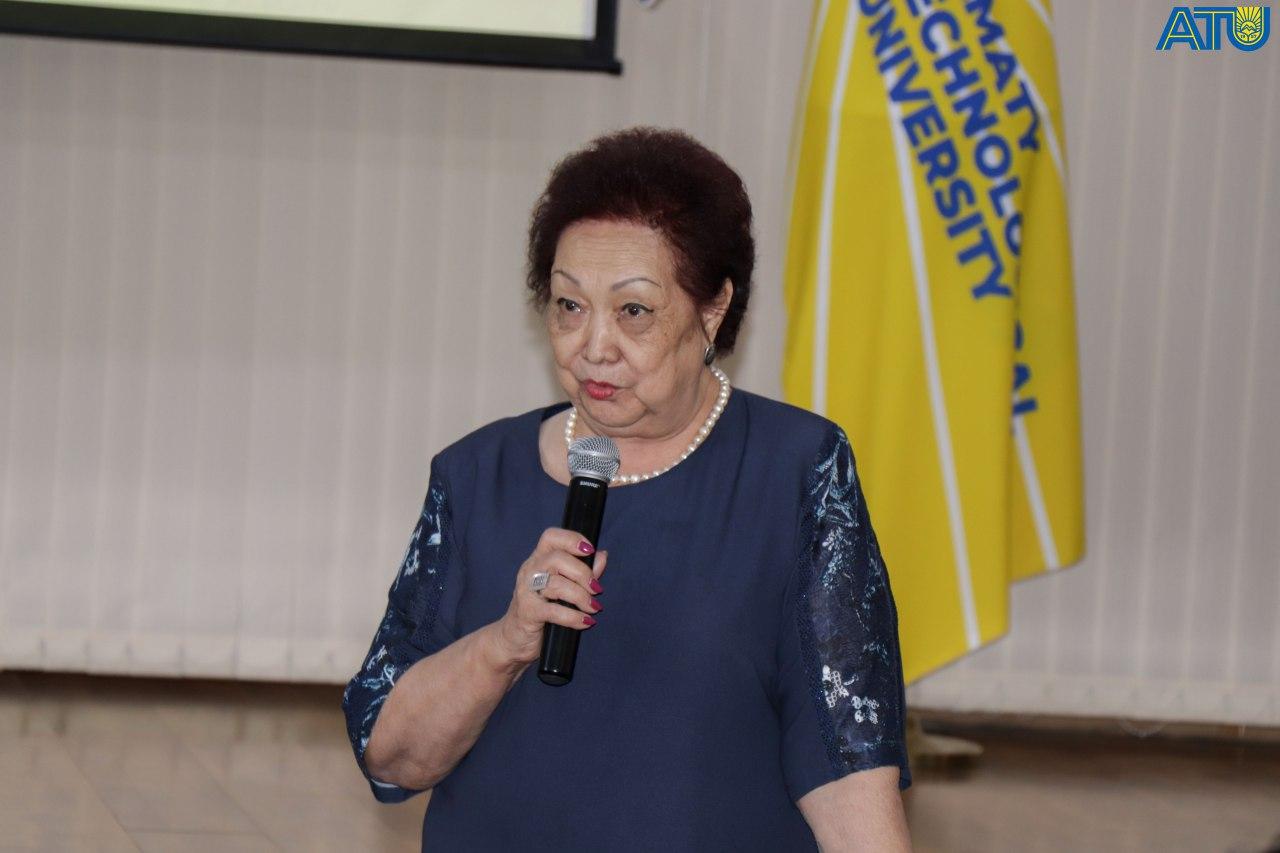 ATU congratulated its veteran teachers